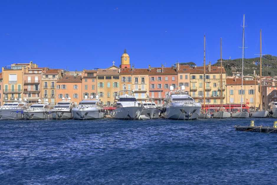 Saint-Tropezfrom The harbour 800 berths 65m length yachts